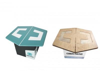 Messetisch mit Holztischplatte in Logoform